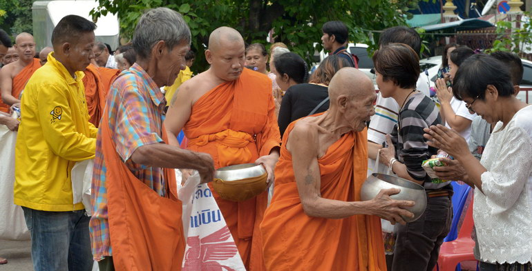 Monks gather aid at Wat Dok Mai Buddhist Monastery in Bangkok on October 25, 2018